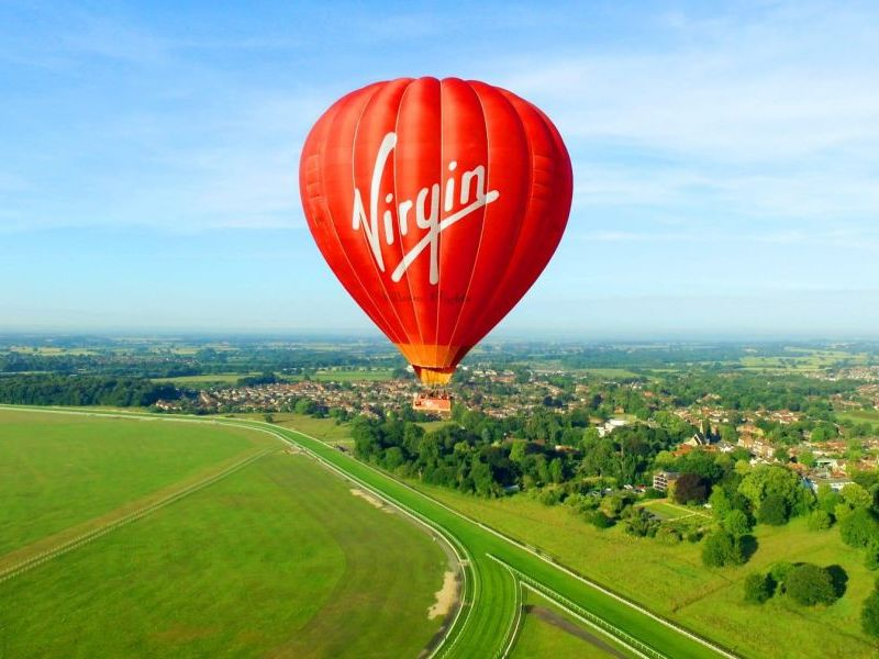 Champagne Morning Balloon Ride for 2 over Lutterworth